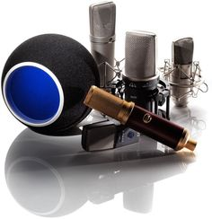 """This is the Kaotica Eyeball which is on the market since over 2 years. Sound On Sound tested it and answers the question """"Can this small ball of foam really take the room out of the equation when recording vocals? Studio Equipment, This Or That Questions, Equation, Concept, Tools, Arrow Keys, Close Image, Bobby, Music"""