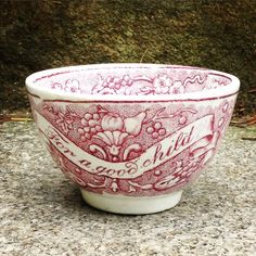 19th Century Staffordshire transfer ware Child's cup#mycollections… Antique Dishes, Antique Pottery, Vintage Dishes, Vintage China, Red And Pink, Red And White, White Dishes, Wedgwood, Dinnerware