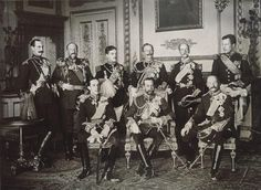 Nine kings gathered in 1910 for the funeral of Edward VII. Of the men pictured 4 would be deposed and 1 assassinated.