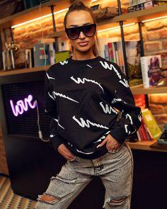 Čierna dámska blúza so vzorovaním T Shirt, Tops, Women, Fashion, Supreme T Shirt, Moda, Tee Shirt, Fashion Styles, Fashion Illustrations