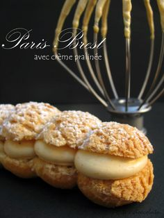 Paris Brest al pralinato Paris Brest, Choux Pastry, Biscotti, Food Inspiration, Muffin, Food And Drink, Cookies, Cream, Breakfast