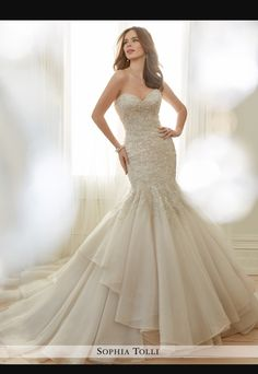 Sophia Tolli Arielle 2017 collection  i absolutely love this dress!! I want it!