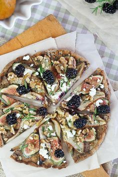 Grain Free Bosc Pear, Fresh Figs, blackberries and Goat Cheese Pizza - i will add balsamic reduction and carmelized onion