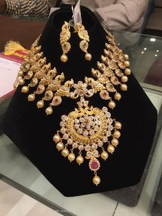 Gold Stone Necklace Design with Weight