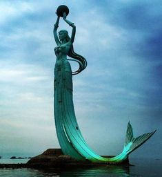 Statues Garden Sculpture - - - Statues Drawing Ink - Statues Of Liberty Illustration Mermaid Sculpture, Mermaid Art, Sculpture Art, Mermaid Statue, Mermaid Paintings, Garden Sculpture, Mythical Creatures, Sea Creatures, Stone Statues