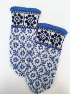 Sweater Mittens, Sampler Quilts, Mittens Pattern, Something Blue, Knitting Socks, Mitten Gloves, Hand Warmers, Handicraft, Knitting Patterns