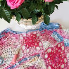 Crochet pullover in Boho style Boho Style, Boho Fashion, Pullover, Blanket, Crochet, Bohemian Fashion, Blankets, Knit Crochet, Sweater