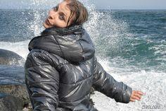 Alexandra en Atlantique  Copyrigth : Cirologie.com/Pinterest Winter Jackets, Montages, Fashion, Jackets, Winter Coats, Collages, Moda, Winter Vest Outfits, Fashion Styles