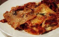 Lasagne ai funghi porcini - Una ricetta semplice per preparare una lasagna ai funghi porcini saporita e ricca di gusto, pochi e facili passaggi per cucinare nel forno di casa un piatto dalle sfumature intense, ideale per stupire gli invitati