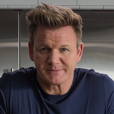 Learn to Purée With Chef Grodon Ramsay's Purée Asparagus Recipe - 2020 - MasterClass Gordon Ramsay Beef Wellington, Chef Gordon Ramsay, Beef Wellington Recipe, Wellington Food, Gordon Ramsay Roast Chicken, How To Cook Monkfish, Arroz Risotto, Homemade Pasta Dough, Desserts