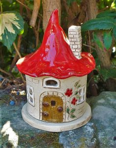 Ceramic 2020 – The Best Ceramic Ideas Are Here Clay Houses, Ceramic Houses, Clay Fairy House, Fairy Houses, Clay Crafts For Kids, Diy Crafts, Toad House, Clay Fairies, Home Candles