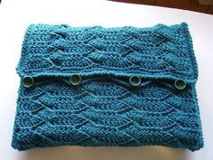 crochet laptop case with flap             need to identify this stitch, interesting, m