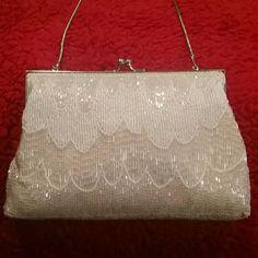 Vintage White Beaded Purse. So Pretty!