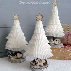 Christmas trees made with the card of cupcakes. (Italian Blog)
