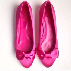 ▪️New▪️ LOFT Bow Flats Size 10 New!! Fuchsia satiny bow flats. Leather insole. Minor scoff from storage. Never worn.                                               2X Host Pick LOFT Shoes Flats & Loafers
