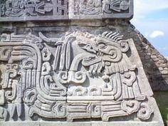 Quetzalcoatl (opeřený had)