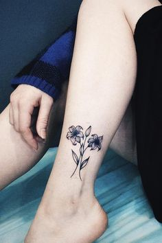 These Birth Flower Tattoos Might Make You Forget About Your Zodiac Sign