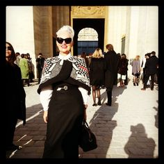 Jackie Burger, owner and creator of Salon 58 & former editor of Elle South Africa. Cape Designs, Older Models, Advanced Style, Over 50 Womens Fashion, African Fashion, African Style, African Attire, Love Her Style, Style Icons