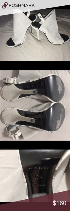 Balenciaga Classic Glove Heel Stylish and iconic Balenciaga Glove Heels in light grey with marble detailing. Size 37 1/2. Good condition, a little bit of fading on the suede. Every celebrity from Beyoncé to Kylie Jenner has been pictured wearing them. A shoe essential! Balenciaga Shoes Heels