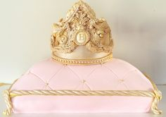 Crown cake , pillow cake , duchess cake , düşes pasta, birthday cake , babyshower cake