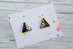 stud earrings, made of polymer clay with resin on the top. It is very light and not fragile. Black Stud Earrings, Polymer Clay, Triangle, Etsy Seller, Creative, Resin, Top, Crop Shirt, Shirts