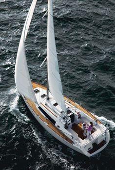 Beneteau Oceanis 37 Sailing Yacht