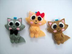 Cute Persian Cat Keychain/Phone Charm/Magnet -