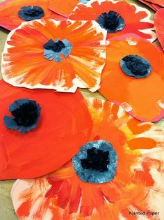 My First Grade students created these Wonderfully Awesome Poppies inspired by Miss Georgia herself. The students first looked at the colors found in the poppies painting then started right aw… Kindergarten Art, Preschool Art, Georgia O'keeffe, First Grade Art, Second Grade, Spring Art, Painted Paper, Art Classroom, Art Plastique