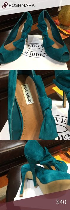 Steve Madden beautiful teal green suede In very good condition Steve Madden Shoes Heels