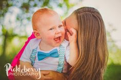 1st Birthday photo Session. Mommy and me kisses will always get a smile. Simple pose idea for toddlers