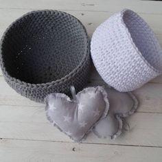 Kolejne zamówienia poszły w świat Koszyki na szydełku   #mamuki #handmade #homedecor #homedesign #decoration #decor #szary #grey #interiordesign #szydelko #recznierobione #kosz #basket #crochet #cord #cottoncord #handmade #recznarobota #prezent #bialy #white #dekoracje #ozdoby