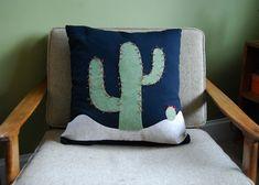 No Sew Cactus Pillow. Super cool DIY project!