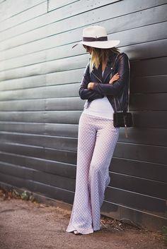 Wide leg pants love.