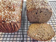 Рецепт черного хлеба без муки и дрожжей, один из самых популярных в этом блоге. Если расшифровать состав этого хлеба в названии более подробно, то нужно сказать, что он не имеет в своем составе мол…