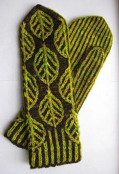 Wintergreen mittens   by reeniebeanie
