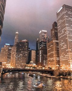 Better Things, Chicago City, My Kind Of Town, City Aesthetic, Laptop Wallpaper, City Life, Cute Wallpapers, New York Skyline, Boston