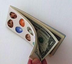 Eine hübsche Art, das Geldgeschenk liebevoll zu verpacken. Vielen Dank für diese schöne Idee Dein balloonas.com #kindergeburtstag #motto #mottoparty #geldgeschenk #geschenk #balloonas