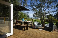 Perfectly positioned close to Red Hill and only a short drive to stunning beaches is Cloud Nine, this cute retro cottage in Arthurs Seat.