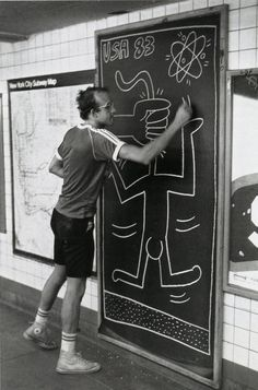 KEITH HARING While studying art in NYC, he started to do some interventions in some of the empty blackboards of the NYC Subway.