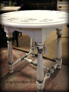Clock table side