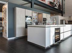 metod eckunterschrank mit karussell in weiß mit grytnÄs front in ... - Ikea Küche Eckschrank Karussell