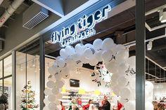 Flying Tiger Copenhagen, Centre Commercial, Chandelier, Ceiling Lights, Site Web, Up, Culture, Boutique, Home Decor
