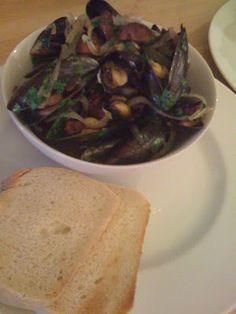 The Good Life: Moules a la Portugaise (Mussels, Portuguese Style)