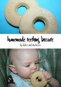 Let your baby test her new teeth on homemade teething biscuits! Baby Teething Biscuits, Teething Cookies, Baby Cookies, Toddler Meals, Kids Meals, Toddler Food, Toddler Recipes, Homemade Baby Snacks, Fruit Crush