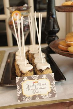 A bridal shower is the perfect reason to have your friends over for a ladies lunch or evening dinner party. Looking for fall wedding shower ideas and decorations for an event you are hosting? Look for original ideas below! Fall In Love Bridal Shower, My Bridal Shower, Wedding Shower Foods, Bridal Shower Desserts, Wedding Showers, Baby Shower, Smores Sticks, Couple Shower, Fall Harvest