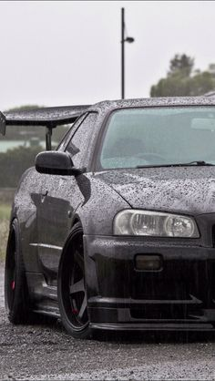 Omfg drippin n dark GTR R34!! I swear I've seen her in my dreams