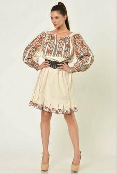 folk dress Folk Fashion, Womens Fashion, Ladies Fashion, Folk Clothing, Bell Sleeve Top, Costumes, Traditional, My Style, Lady