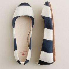 Simple and cute! Love these flats!! White & navy blue stripe!