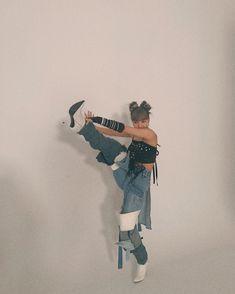 Lisa Lalisa Manoban Blackpink LISA Lisa Blackpink [lalalalisa_m] Kpop Girl Groups, Korean Girl Groups, Kpop Girls, Gray Aesthetic, Kpop Aesthetic, Aesthetic Fashion, Kim Jennie, Lisa Blackpink Wallpaper, Blackpink Members