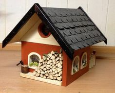 A #doll #house for your garden: http://www.1-2-do.com/de/projekt/Modellhaus-fuer-den-Garten-/bauanleitung-zum-selber-bauen/4001296/